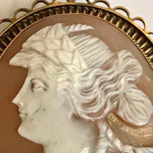Edwardian 9ct Gold Shell Cameo Brooch image-2