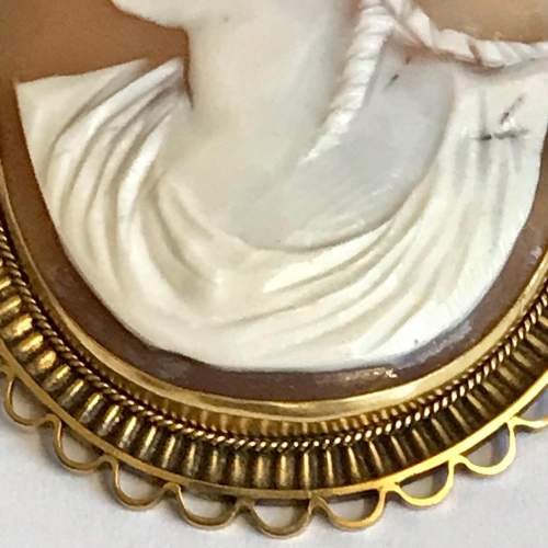 Edwardian 9ct Gold Shell Cameo Brooch image-3