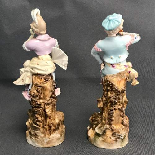 Pair of Quality Figurines by Rudolstadt Ernst Bohne Sohne image-4