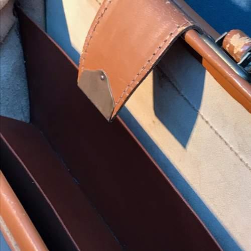 Vintage Tan Cowhide Leather Briefcase image-4