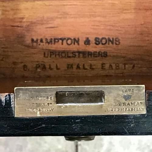 Good Quality 19th Century Ebonised Mahogany Pedestal Desk image-6
