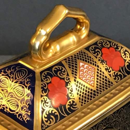 Royal Crown Derby Old Imari Pattern Clock image-5