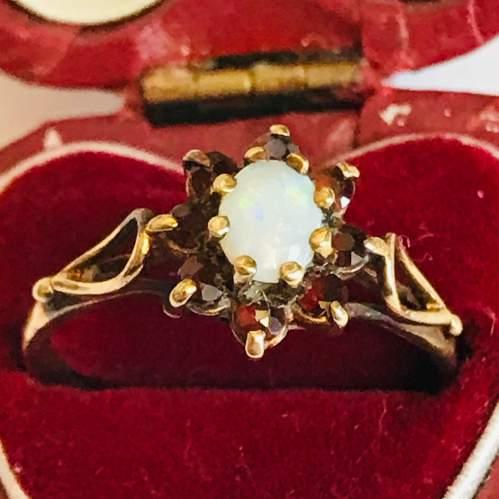 9ct Gold Garnet Opal Cluster Ring image-2