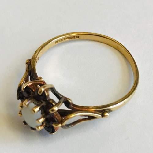 9ct Gold Garnet Opal Cluster Ring image-1