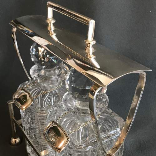 Silver Plated and Cut Glass Tantalus image-4