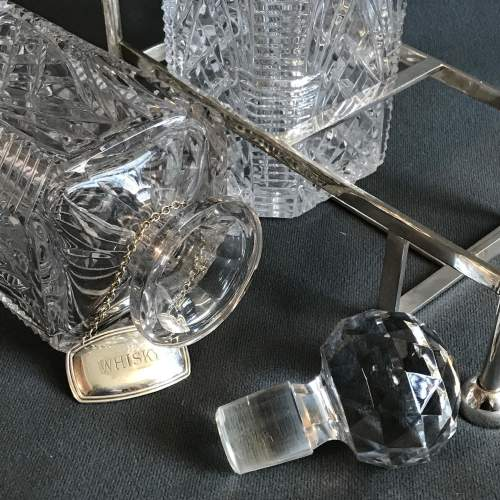 Silver Plated and Cut Glass Tantalus image-5