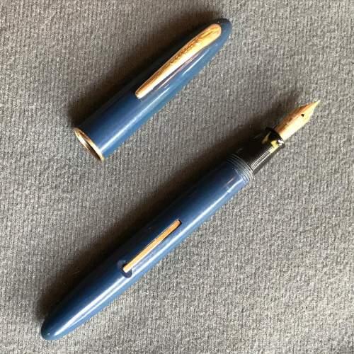 Lady Shaeffer Vintage Fountain Pen image-2