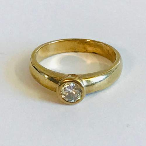 18ct Gold Diamond Solitaire Ring image-3