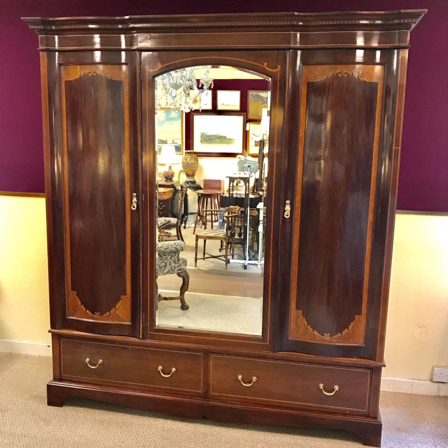 Antiques Beautiful Antique Triple Wardrobe With Bevelled Mirror Armoires/wardrobes
