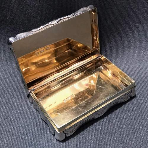 Victorian Silver Snuff Box with a Grey Hound Scene image-3