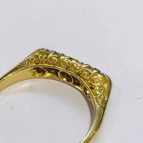 Antique 18ct Gold Diamond Ring image-3