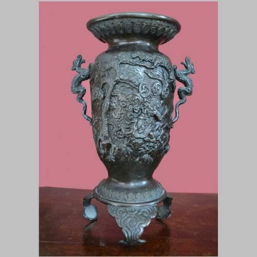 Fine Pair of Chinese Bronze Vases image-4