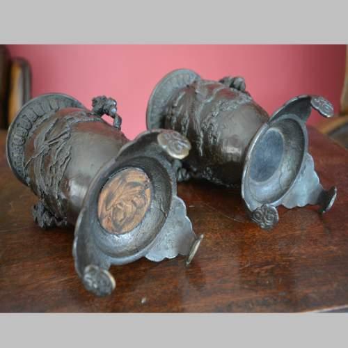 Fine Pair of Chinese Bronze Vases image-6