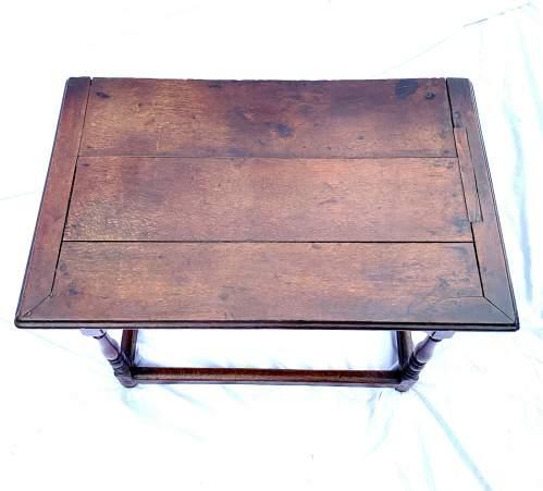 A William III Oak Side Table image-3