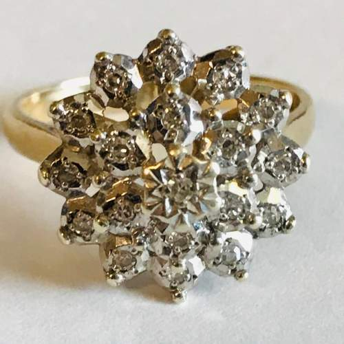 Vintage 9ct Gold Tiered Diamond Cluster Ring image-2