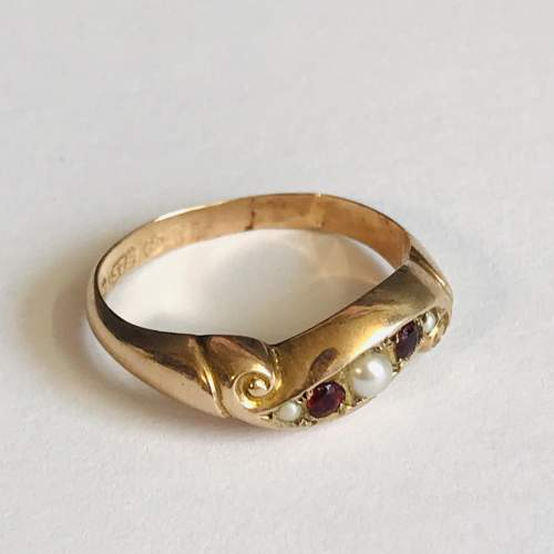 9ct Gold Garnet and Pearl Ring image-1