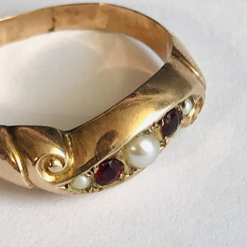 9ct Gold Garnet and Pearl Ring image-2