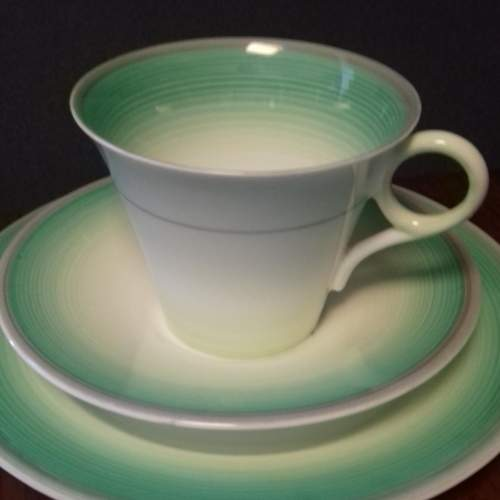 Art Deco Shelley Regent Shape Green Banded Trio image-2
