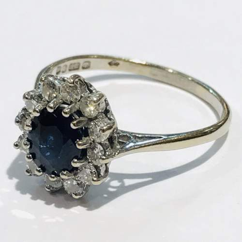Vintage 18ct Gold Diamond and Sapphire Ring image-1