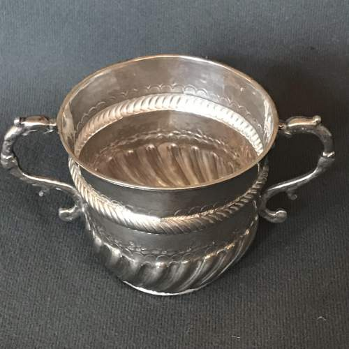 17th Century Small Silver Porringer image-4