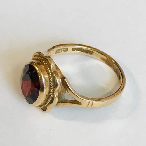 Vintage 9ct Gold Garnet Solitaire Ring image-3