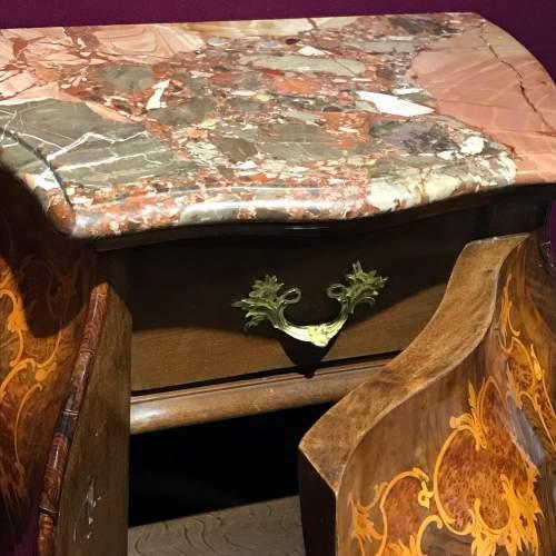 Pair of Walnut Bombe Shaped Side Cabinets image-4