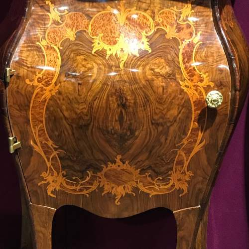 Pair of Walnut Bombe Shaped Side Cabinets image-5