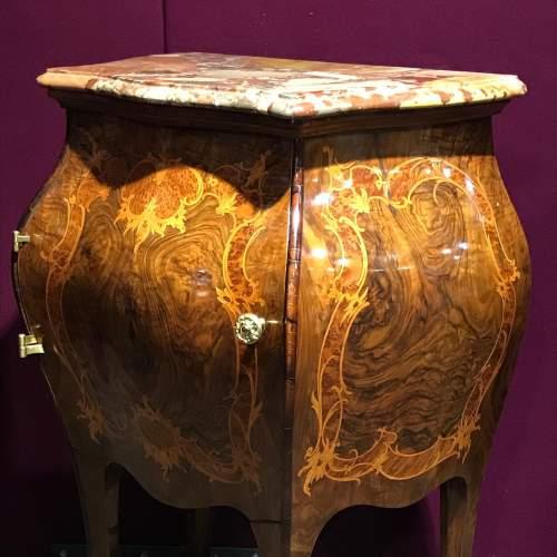 Pair of Walnut Bombe Shaped Side Cabinets image-6