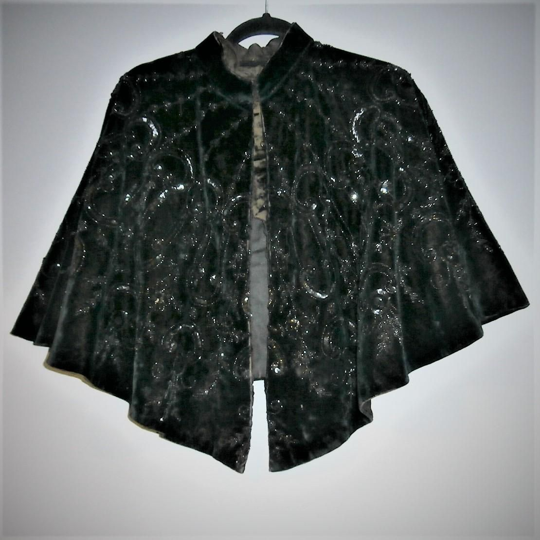 Stunning Black Velvet Bead And Sequin Victorian Cape Cloak Vintage Clothes Mannequins Hemswell Antique Centres