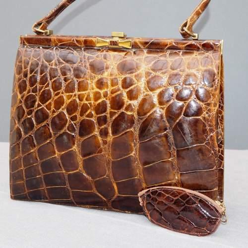 Stunning 1940's Glossy Brown Handbag image-1