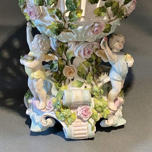 Early 20th Century Large Dresden Porcelain Centrepiece image-5