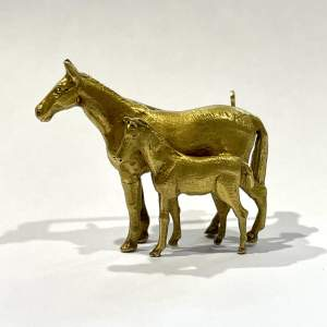 9ct Gold Mare and Foal Brooch
