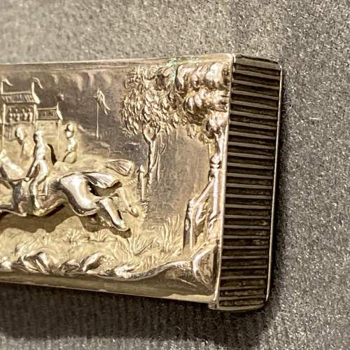 Victorian Silver Vesta Case with a Horse Racing Scene image-4