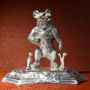 19th Century Victorian Roberts and Belk Silver Plate Bear Pen Stand