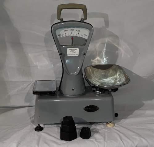 1950s Essex County Council Weighing Scales image-4