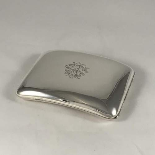Hallmarked Silver Curved Cigarette Case Chester 1904 image-1