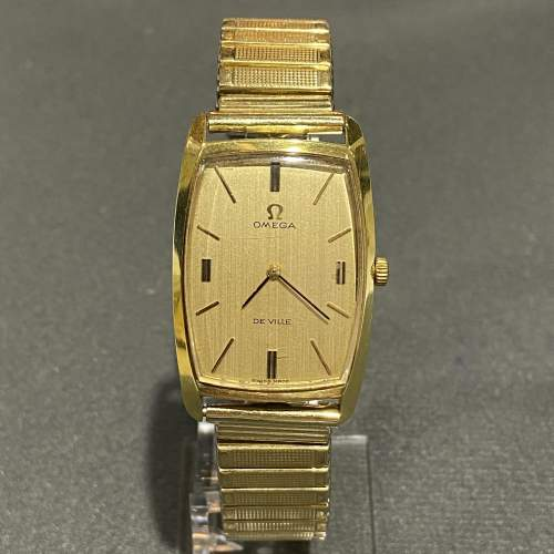 Late 20th Century Gold Plated Omega Unisex Watch image-1