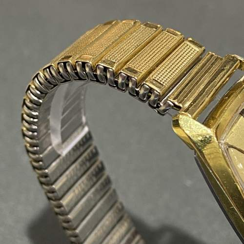 Late 20th Century Gold Plated Omega Unisex Watch image-3