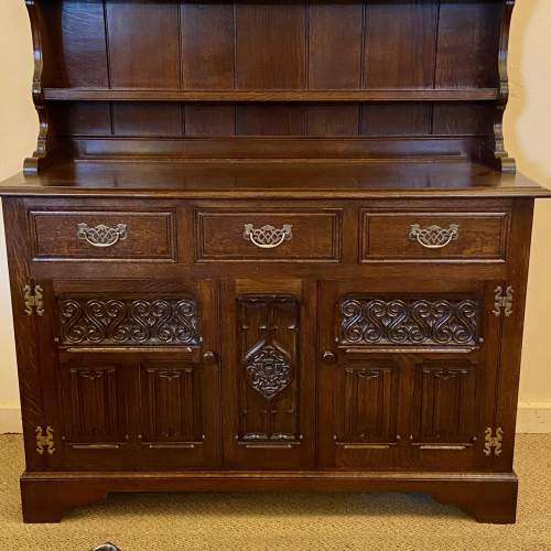 Mid 20th Century Frank Pratt Quality Oak Dresser image-3