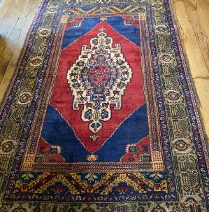 Superb Old Hand Knotted Turkish Rug Yalahili Approx 70 Years Old