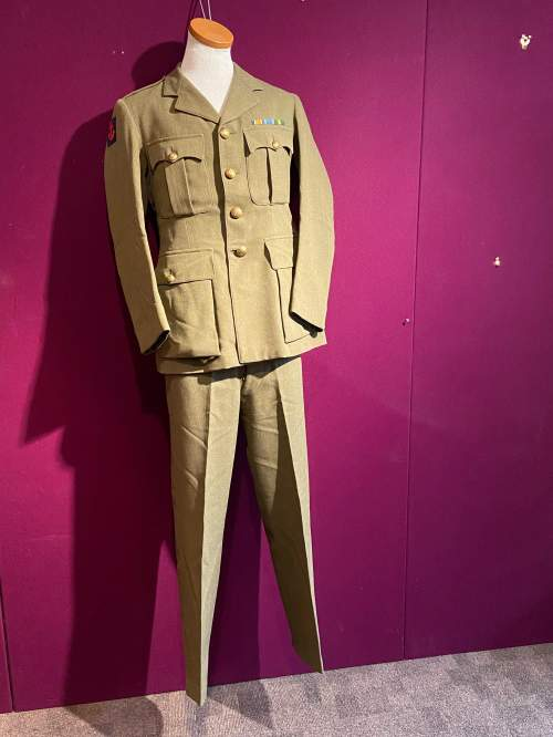 WWII Royal Engineers Officers Uniform image-5