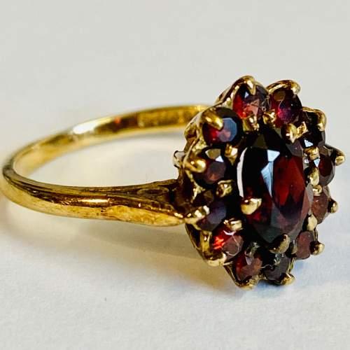 9ct Gold Garnet Cluster Ring image-1