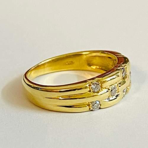 Vintage 18ct Gold Diamond Ring image-3