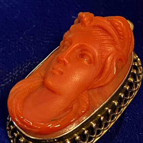 Antique Coral Cameo in 18ct Gold Pendant image-3