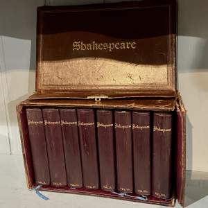 Complete Set of Shakespeare in 8 Volumes