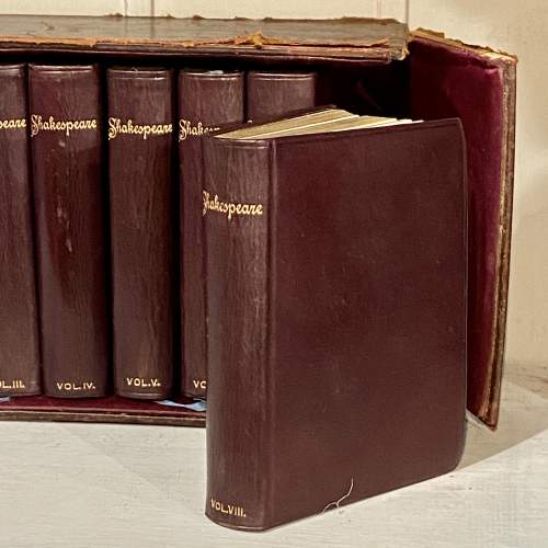 Complete Set of Shakespeare in 8 Volumes image-3