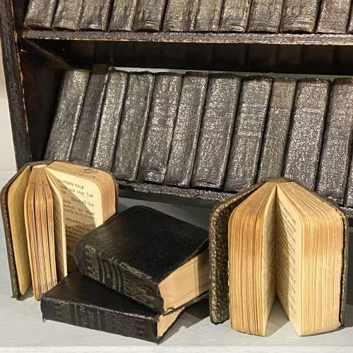 Set of 40 Miniature Leather Bound Shakespeare Classics image-3
