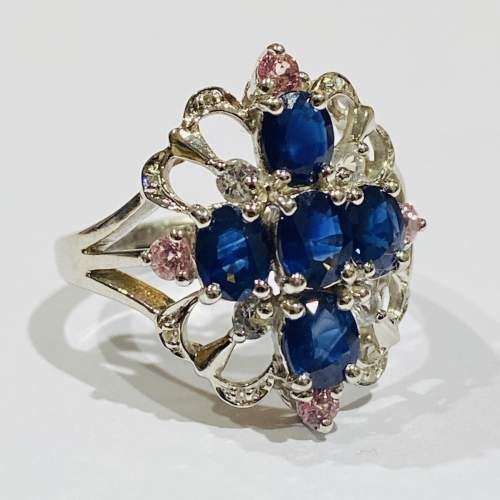 Vintage 9ct Gold Diamond and Sapphire Ring image-2
