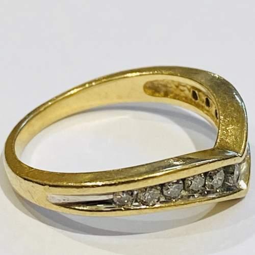 9ct Gold Vintage Shaped Diamond Ring image-3