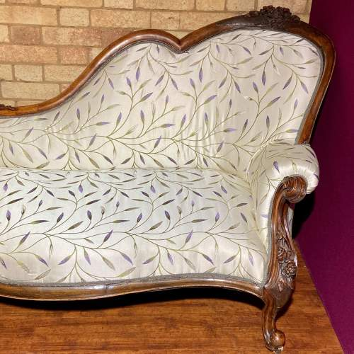 Good Quality Mid Victorian Chaise Longue image-3